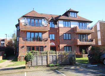 Kings Chase View, The Ridgeway, Enfield EN2. 2 bed flat for sale