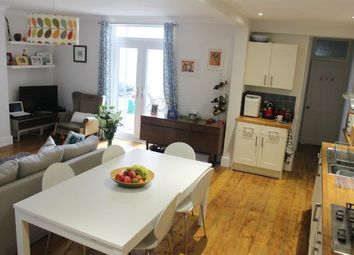 2 bed flat to rent in Compton Avenue, Brighton BN1
