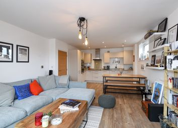 Thumbnail 2 bedroom flat for sale in London Road, Isleworth