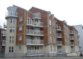 Thumbnail 2 bedroom flat to rent in Kennet Side, Reading