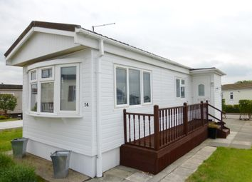 Thumbnail 1 bedroom mobile/park home for sale in Lower Dunton Road, Dunton, Brentwood