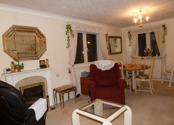 Thumbnail 2 bedroom flat for sale in Morland Road, Ilford