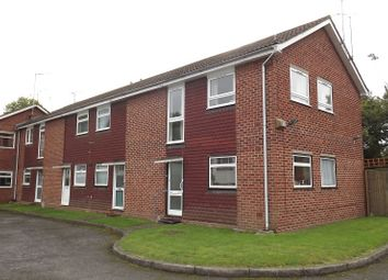 Thumbnail 2 bedroom maisonette to rent in Kendrick Road, Reading