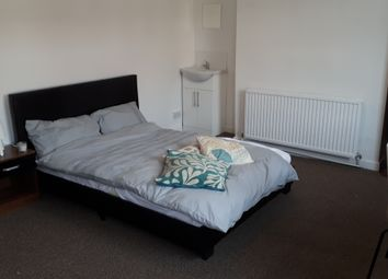 Thumbnail Room to rent in Manchester Old Road, Middleton