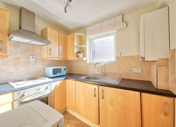 Thumbnail 1 bed flat to rent in Rusham Road, Clapham