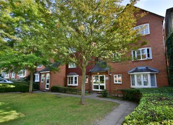 Swan Close, Rickmansworth, Hertfordshire WD3. 2 bed flat