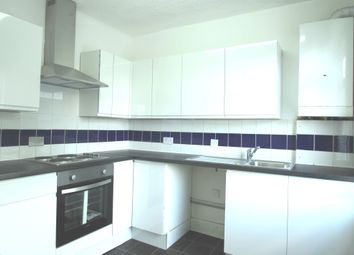 Thumbnail 2 bed flat to rent in Beecham Road, Reading