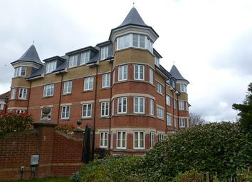2 bed flat to rent in St Georges Gate, Norwich Avenue West, Bournemouth BH2