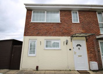 3 bed property to rent in Candytuft Road, Chelmsford CM1