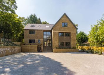 Dean Court Road, Off Cumnor Hill, Oxford OX2. 2 bed flat
