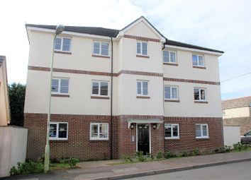 2 bed flat to rent in Buckland Close, Bideford EX39
