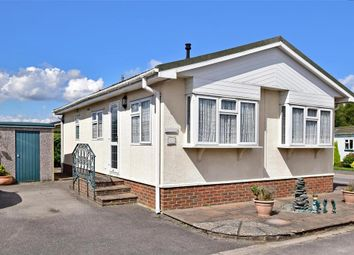 Thumbnail 2 bed mobile/park home for sale in Brighton Road, Holly Lodge, Tadworth, Surrey