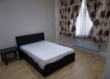 Thumbnail 1 bed flat to rent in Broad Lane, London