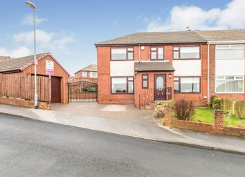 Thumbnail 5 bed town house for sale in Harthill, Gildersome, Leeds