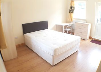 Thumbnail 6 bed flat to rent in Whitethorn Street, London