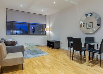 2 bed flat to rent in Scimitar House, 23 Eastern Road, Romford, Romford, London RM1