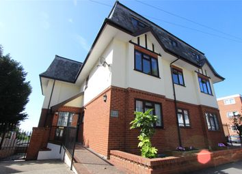 Ruskin Lodge, 20 Victor Drive, Leigh-On-Sea, Essex SS9. 3 bed flat