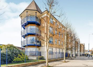 Thumbnail 3 bedroom flat to rent in Richmond Road, Kingston Upon Thames