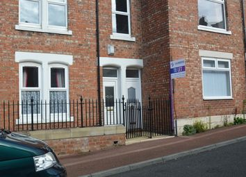 Thumbnail 2 bed flat to rent in Hyde Park Street, Gateshead