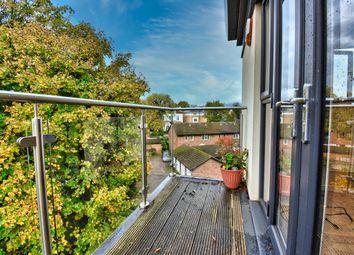 Thumbnail Flat to rent in Nash Gardens, Redhill