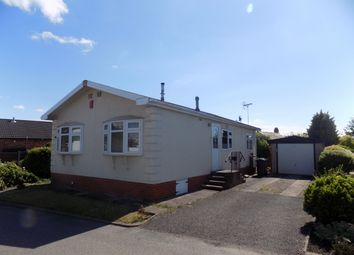 Thumbnail 2 bed mobile/park home for sale in Hawthorn Walk, Wincham, Northwich