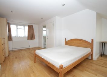 Thumbnail 5 bed detached house to rent in Wroughton Terrace, Hendon, London