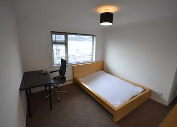 Thumbnail Room to rent in Forest Drive, Chelmsford