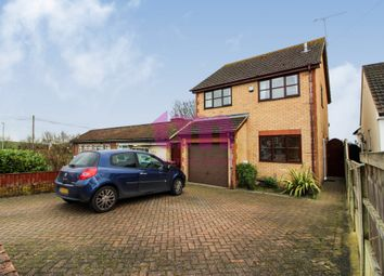 3 bed detached house to rent in Hall Road, Aveley, South Ockendon RM15