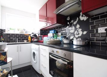 2 bed flat for sale in Downs Road, Luton LU1