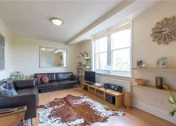Thumbnail 1 bed flat to rent in Clapham Common South Side, Clapham, London