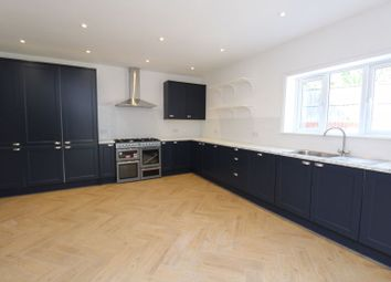 Thumbnail 6 bed terraced house to rent in St. Albans Crescent, Wood Green