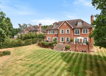 Thumbnail 6 bedroom detached house for sale in Eyhurst Spur, Kingswood, Tadworth