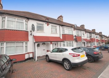 Thumbnail 2 bedroom flat to rent in Oakleigh Road North, London