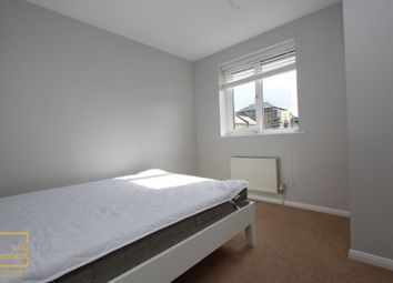 Thumbnail Room to rent in Severnake Close, Mudchute, Isle Of Dogs