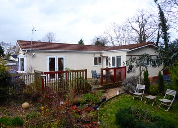 2 bed mobile/park home for sale in Brownfield Gardens, Maidenhead, Berkshire SL6