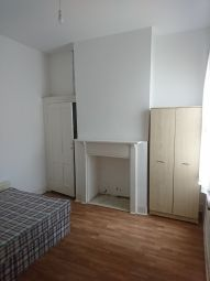 Room to rent in Ribblesdale Road, London SW16
