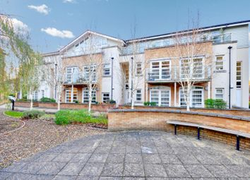 Thumbnail 2 bed flat to rent in The Quadrant, Rickmansworth, Hertfordshire