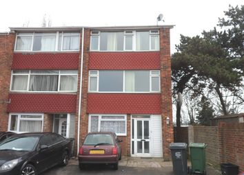 Thumbnail 5 bedroom town house to rent in Cadogan Avenue, Dartford