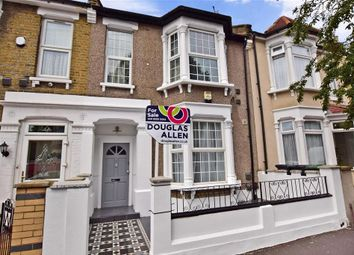 Thumbnail 3 bedroom flat for sale in Warren Road, London