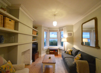 3 bed flat to rent in Livingstone Road, Bath, Somerset BA2