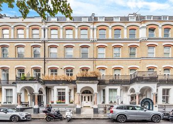 Old Brompton Road, Earls Court, London SW5. 2 bed flat