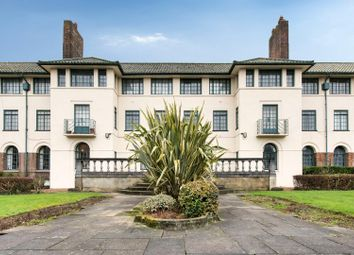 The Pantiles, Finchley Road, Temple Fortune NW11. 3 bed flat