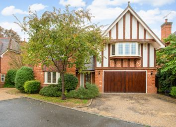 Thumbnail 5 bed detached house to rent in Wyatt Close, Wargrave, Reading