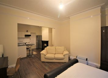 Thumbnail Studio to rent in Basingstoke Road, Reading, Berkshire