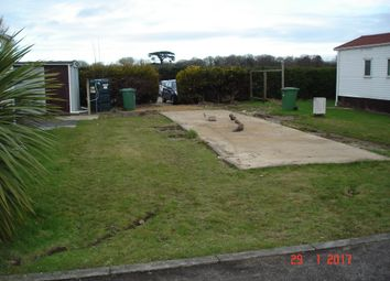 Thumbnail 2 bedroom mobile/park home for sale in Woodland View, Stratton Strawless, Norwich