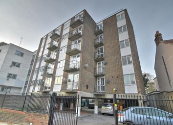 Thumbnail Flat to rent in Heybridge Avenue, London