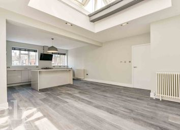 Thumbnail 3 bed flat to rent in St. Martins Lane, Covent Garden