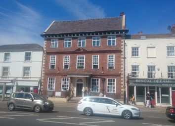 Thumbnail 2 bed flat to rent in High Street, Evesham