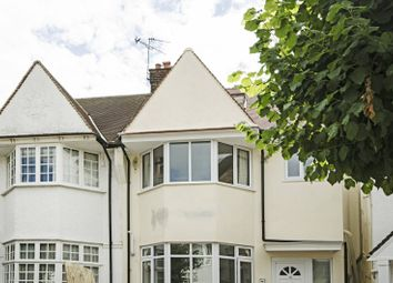 Thumbnail 3 bed flat to rent in Clifton Gardens, Temple Fortune