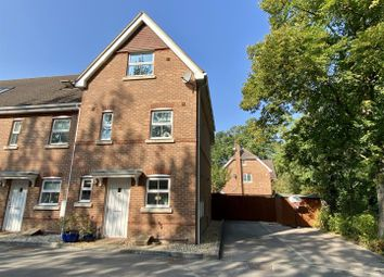 Hams Corner, Sherfield-On-Loddon, Hook RG27. 3 bed end terrace house